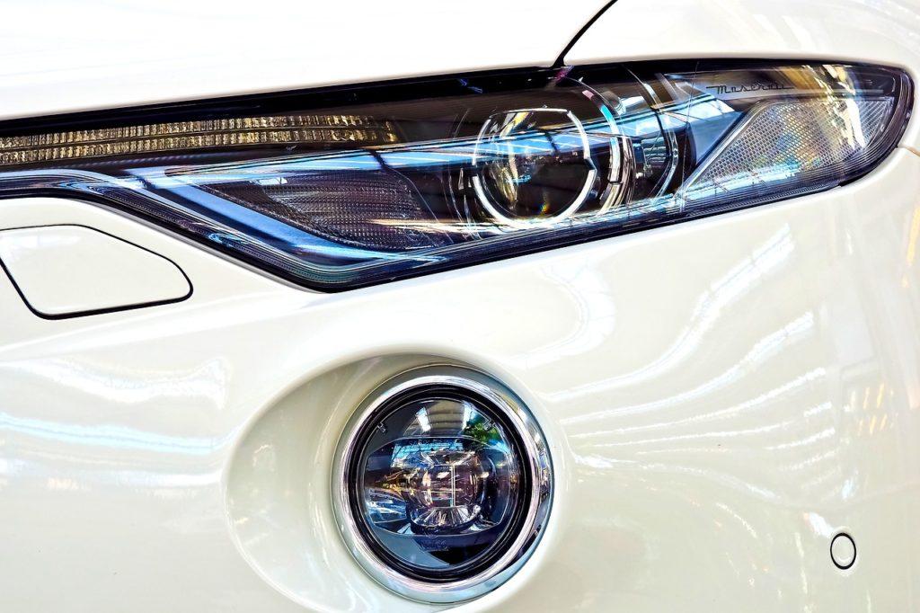 5 Metod Na Czyszczenie świateł Samochodowych żarówkopedia