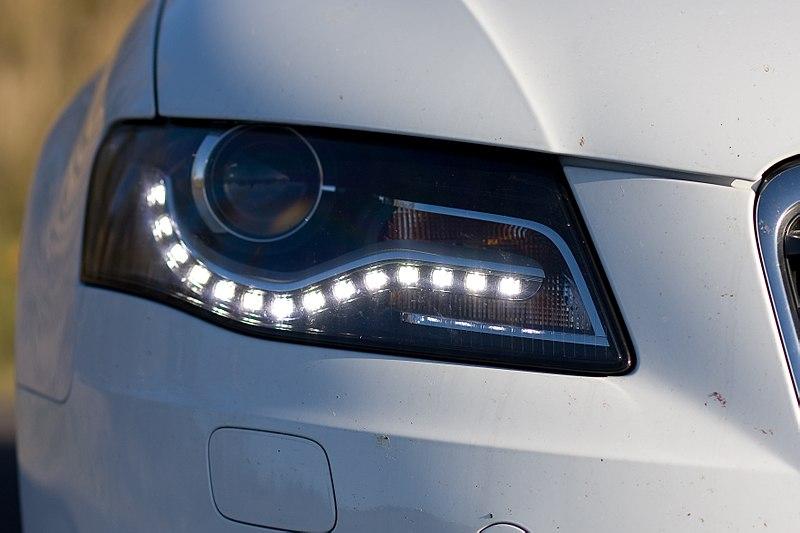 ledowe oswietlenie samochod Oświetlenie halogenowe czy ledowe? Które wybrać?