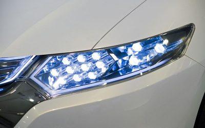 samochod halogenowe ledowe oswietlenie 400x250 Home