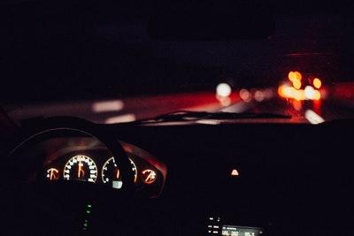 Oświetlenie samochodowe wykorzystywane wewnątrz pojazdu